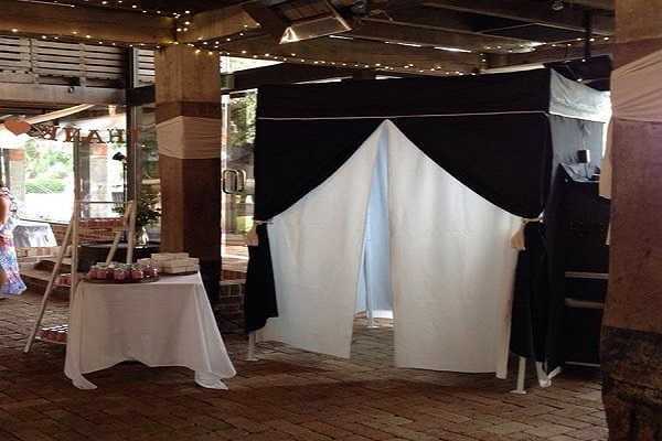 Why You Should Hire Photo Booth Hire in Sydney